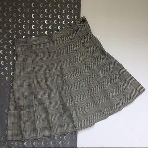 Dresses & Skirts - Vintage black and white houndstooth skirt